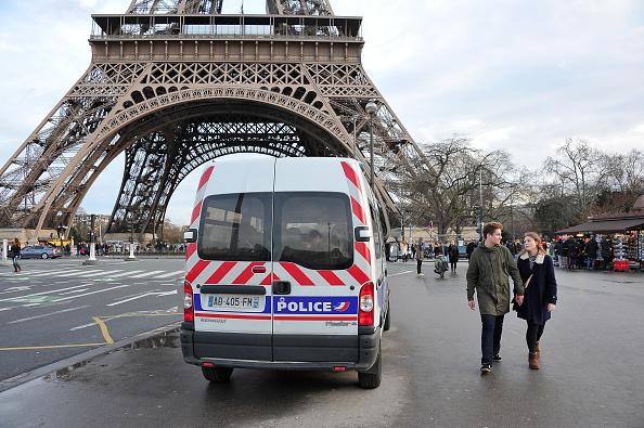 Franta pretinde ca a dejucat un atentat care viza obiective militare