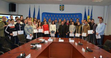 Tineri sportivi clujeni premiati cam modic de Consiliul Judetean